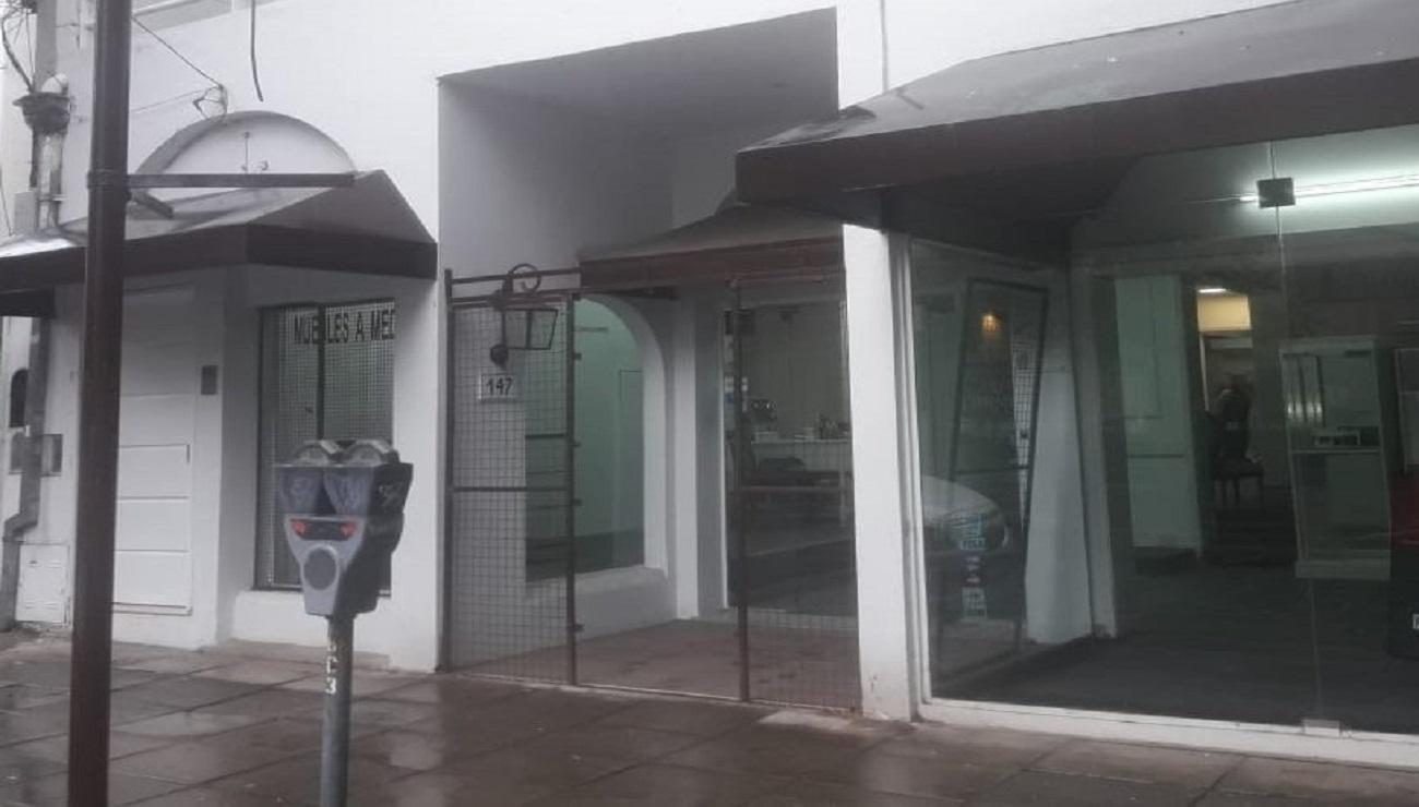 Local en Centro de San Isidro. Alquiler. $70.000